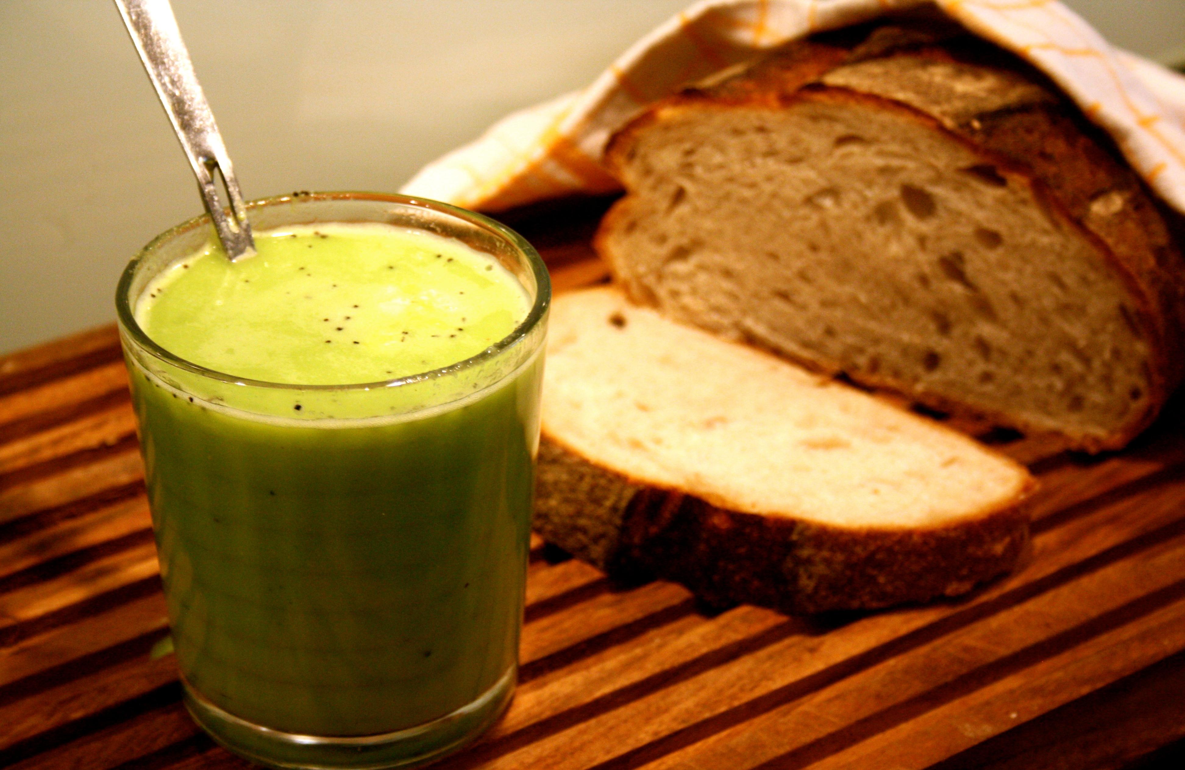 grön ärtsoppa med kokosmjölk