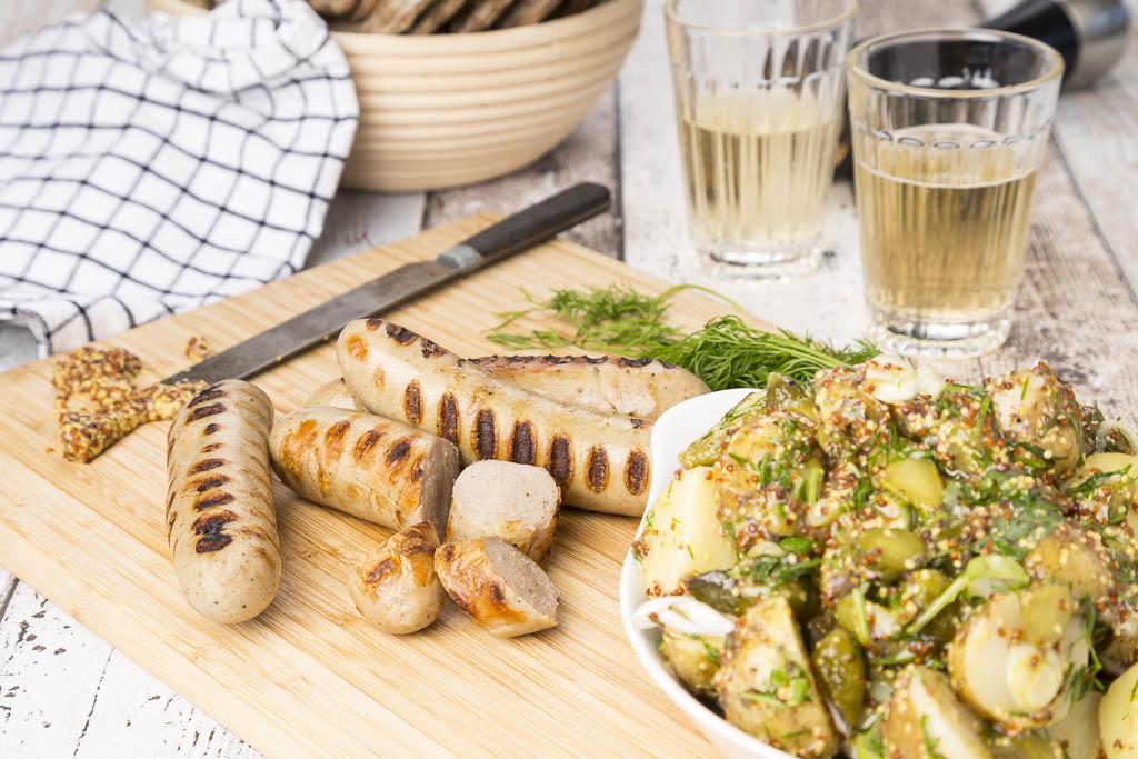 Färskpotatissallad med gurka & grov senap Foto: Michael Krantz Recept: Kristin Johansson