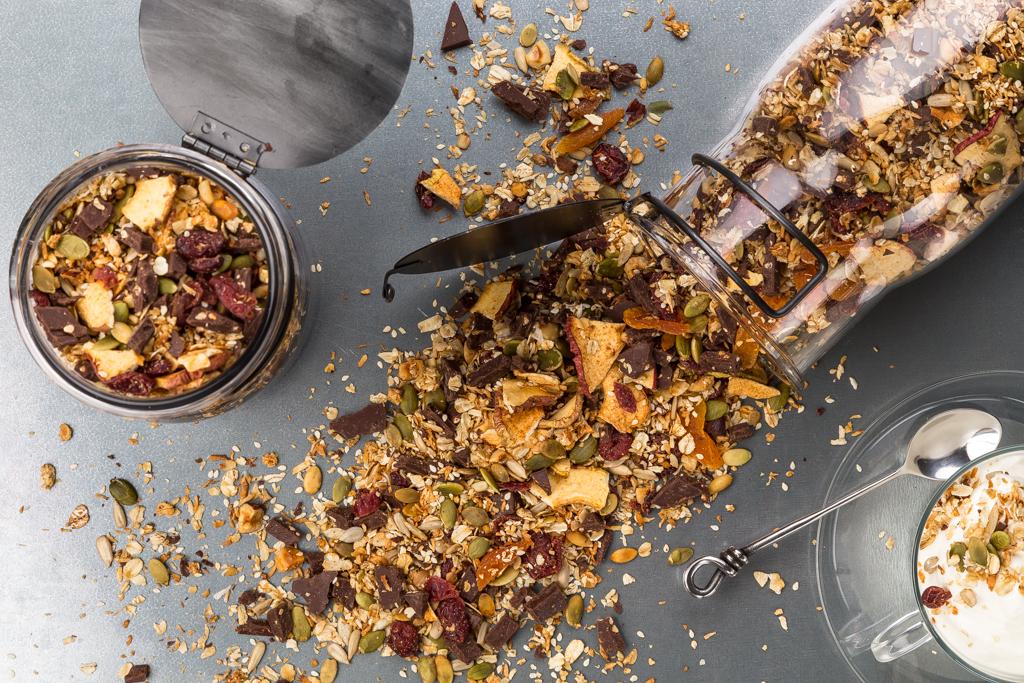 Musli med choklad, nötter & gryn Foto: Michael Krantz Recept: Kristin Johansson