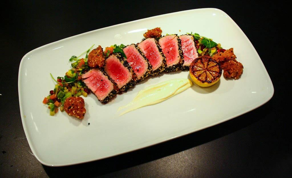 Sesampanerad-tonfisk-med-grön-chili-1024x624