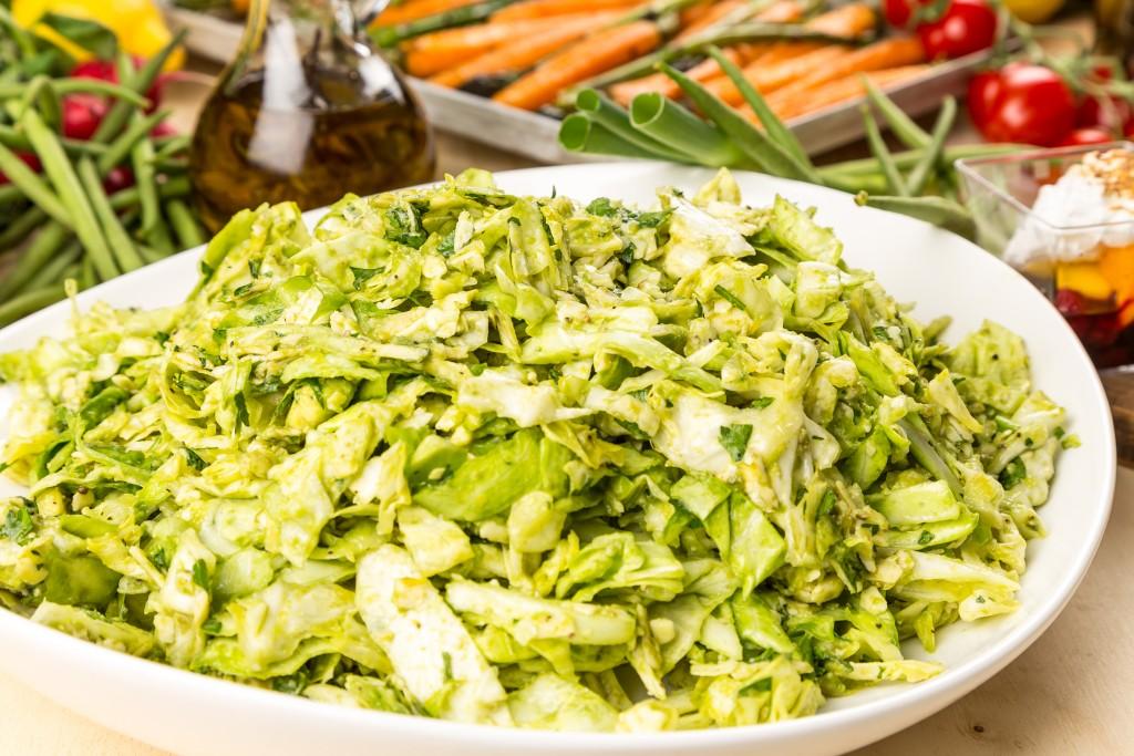 Färsk vitkålsallad Foto: Michael Krantz Recept: Kristin Johansson