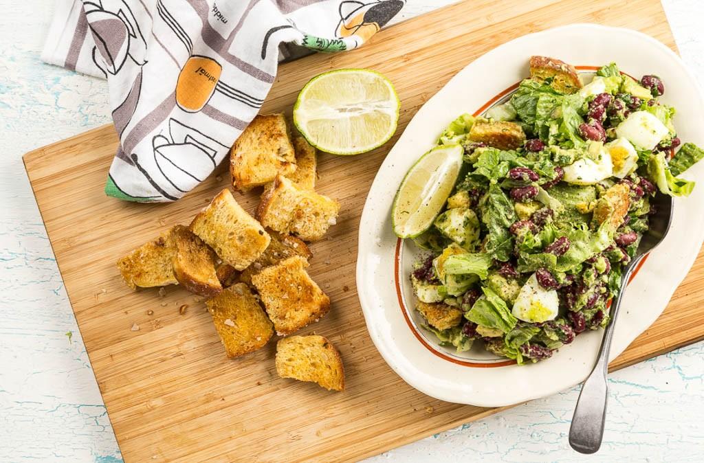 Brödsallad med bönor Recept: Kristin Johansson Foto: Michael Krantz