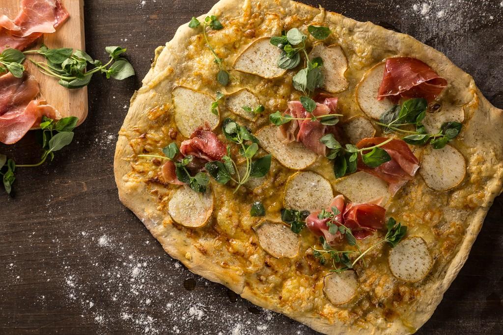 Päronpizza Foto: Michael Krantz Recept: Kristin Johansson