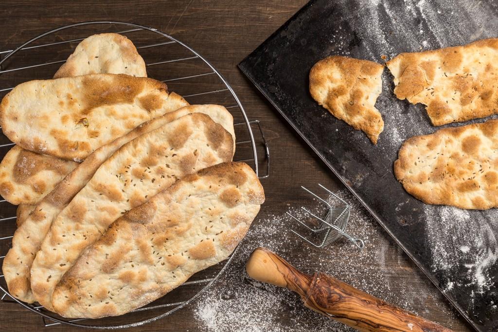 Knäckebröd med lök & dillfrö Recept: Kristin Johansson Foto: Michael Krantz