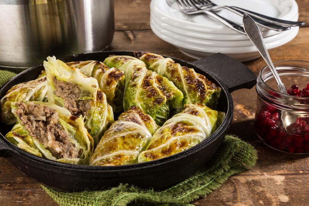 Kåldolmar på savoy & älg Recept: Kristin Johansson Foto: Michael Krantz