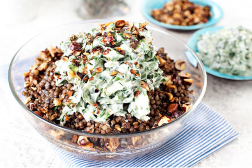 Linssallad med mangold & kryddiga nötter