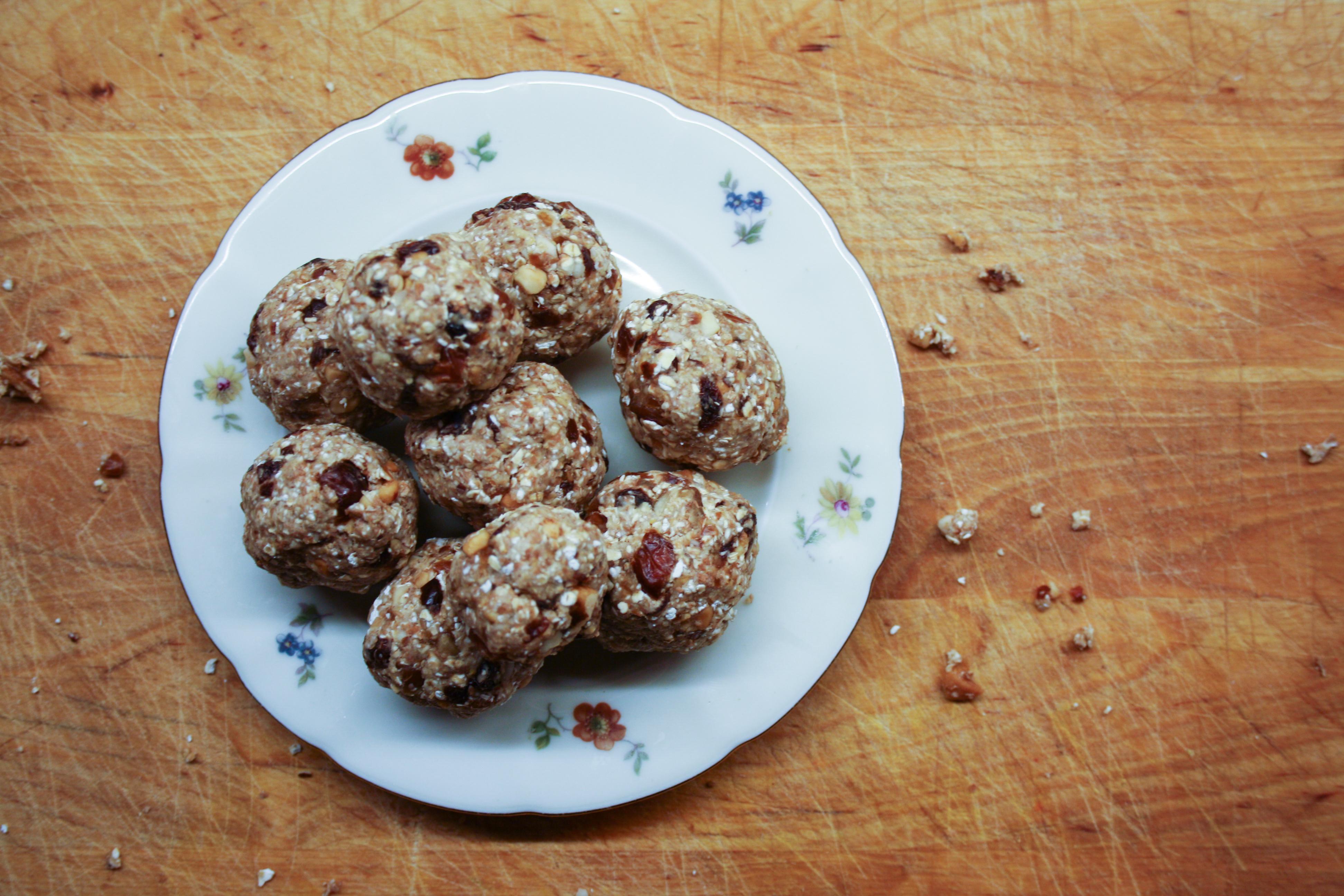 Havrebollar med dadlar & paranötter