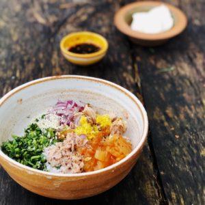 Asiatisk tonfisksallad med kimchi & sesam
